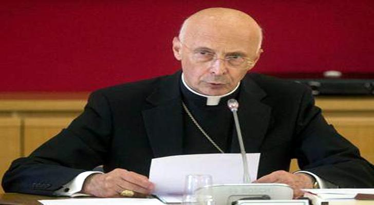 Bagnasco alla guida dell'arcidiocesi per altri due anni