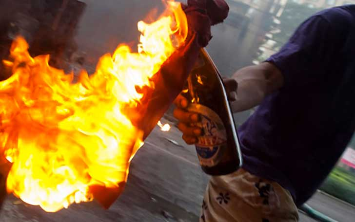 Brescia, molotov contro hotel che ospiterà profughi