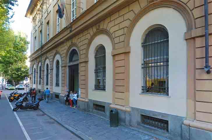 Ufficio Anagrafe A Torino : Chiede all anagrafe documento presentandone uno falso