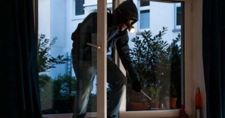 Quasimodo furto casa denunciato clochard 32enne genovese