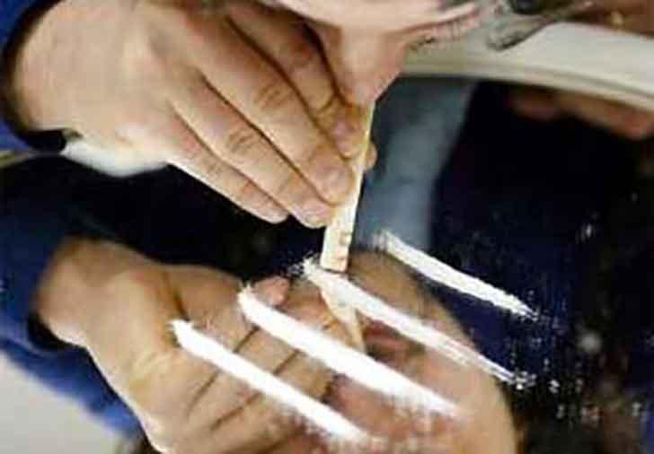 Pusher trovato in casa con 42 grammi di cocaina.: arrestato