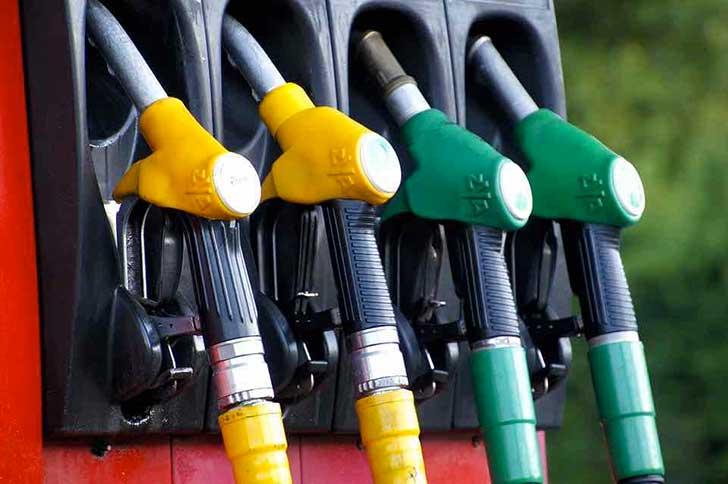 No, non ci sarà un aumento delle tasse sulla benzina in Liguria