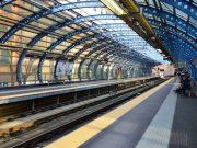 Lo allontanano dalla metro e spacca una vetrata: bulgaro nei guai