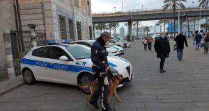 Operazione ad alto impatto della polizia locale nel centro storico