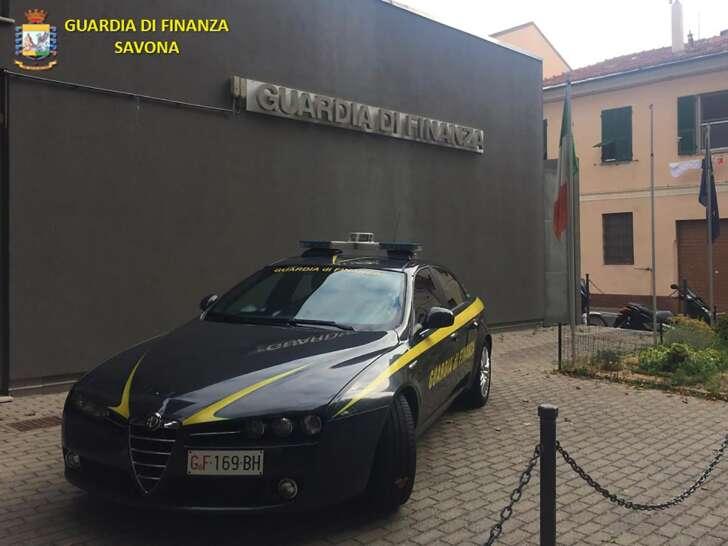 La GdF di Savona scopre vasta truffa online nella vendita di auto usate