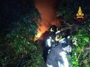 Incendio doloso sul sentiero di Poggio, diversi inneschi attivi
