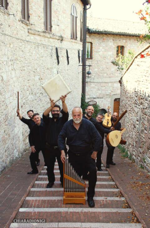 A Genova e Savona musica con Anonima Frottolisti.