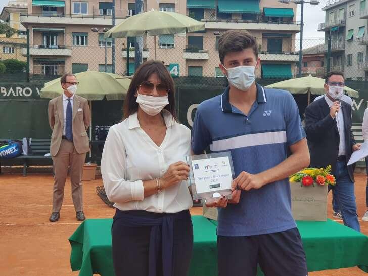 Luca Nardi vince il Torneo ITF