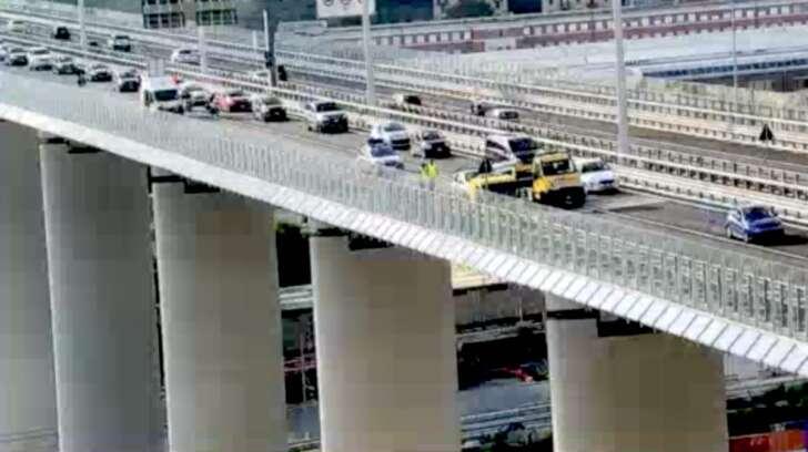 Incidente sul ponte San Giorgio, soccorse due persone