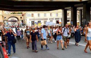 Alle 18.00 Manifestazione in 110 città italiane contro il green pass