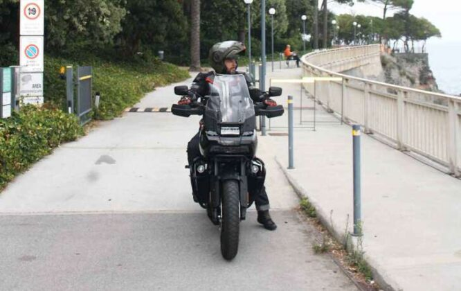 Tra Liguria e Piemonte con la nuova entrofuoristrada di casa Harley: la Pan America