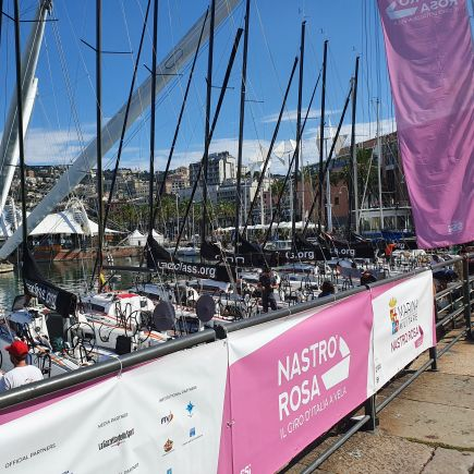 Marina Militare Nastro Rosa Tour al via dal Porto Antico
