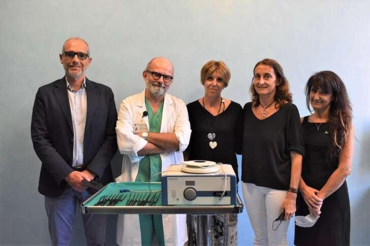 L'Associazione P.I.CE.A dona al San Martino materiale per la chirurgia cerebrovascolare