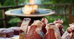 Lezione e degustazione tra griglia e bistecche