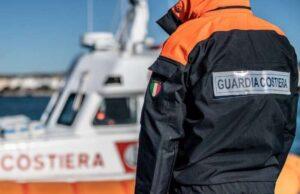 Non riesce a rientrare a riva, donna salvata da Guardia Costiera e VVF