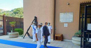 Il prefetto di Savona visita la sede della guardia costiera