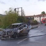 Auto a fuoco sul raccordo in direzione La Spezia, fiamme spente dai VVF