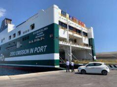 Porto Savona, scoperti alcuni migranti in un semirimorchio da imbarcare