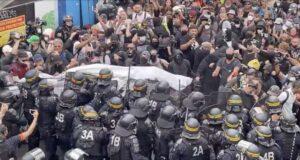 No green pass in Francia, tensioni alle manifestazioni di Parigi