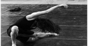A Finale Ligure danza con SWANS