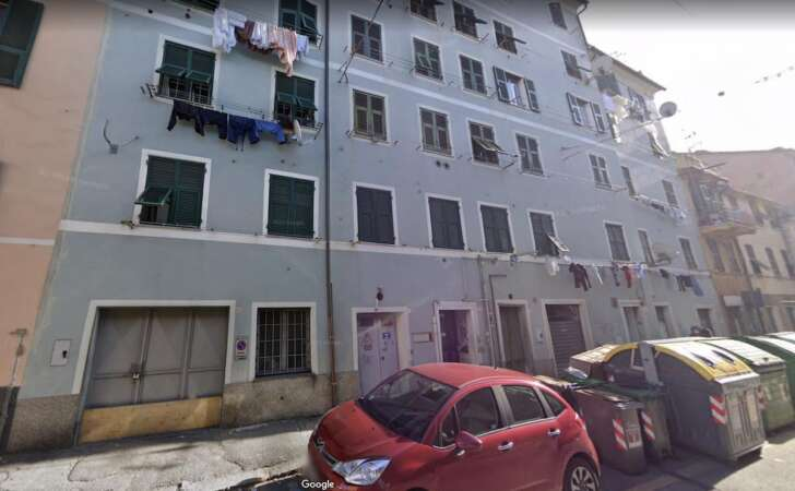Rivarolo, crolla casa condominio evacuate otto famiglie