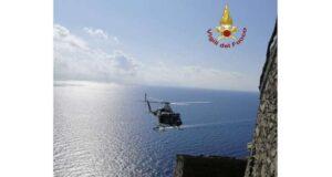 Donna colpita da malore a Monesteroli, soccorso con l'elicottero VVF