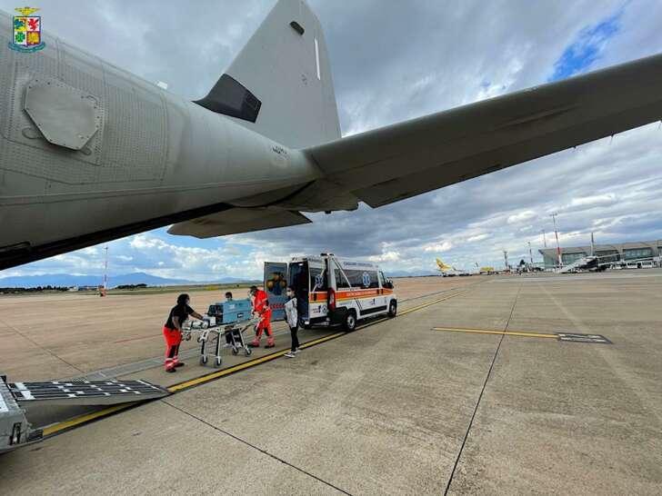 C-130 militare trasporta neonato da Cagliari a Genova