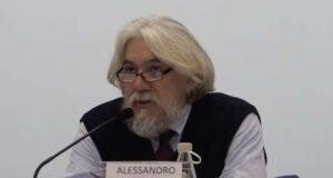 Alessandro Meluzzi sospeso dall'Ordine dei medici: non era vaccinato