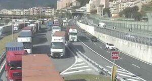 Sciopero in porto a Pra', caos ponente Genova e in A10