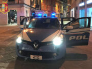 Dominicano aggredisce coetanei sabato sera alla Spezia: denunciato